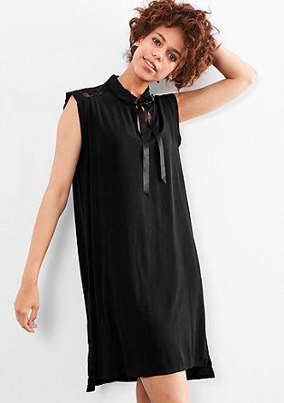 Lace-Kleid mit Satinschleife