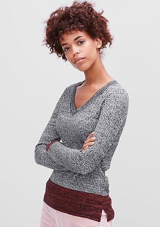 Lahek pulover iz rebraste pletenine