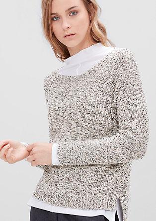 Lahek pulover v kvačkanem videzu