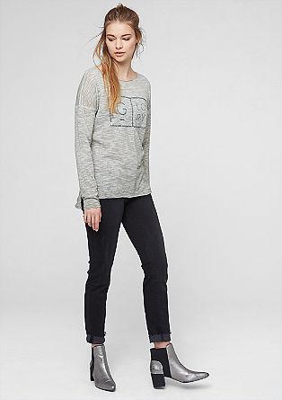 Lahek pulover z napisom