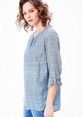 Lahka bluza iz krepa z vzorcem