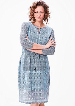 Lahka mrežasta obleka z vzorcem