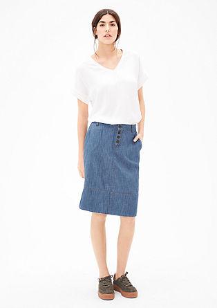 Lehká džínová sukně sknoflíky