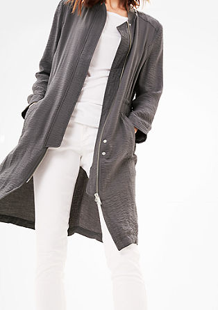 Lehký kabát se zmačkaným efektem