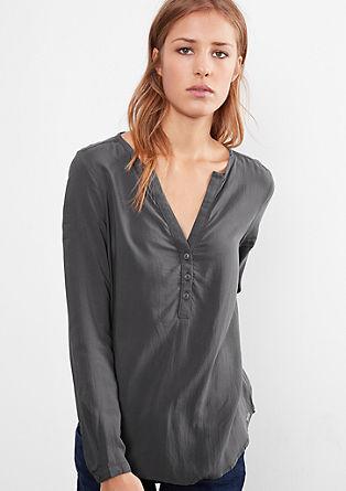 Luchtige blouse met knopen