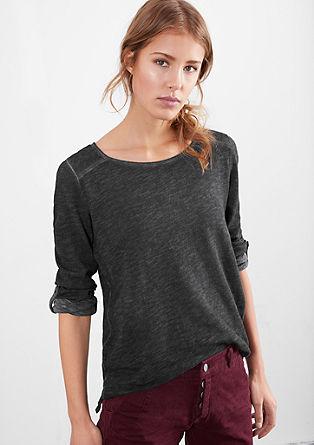 Majica, barvana s postopkom pigmentiranja z možnostjo zavihanja rokavov