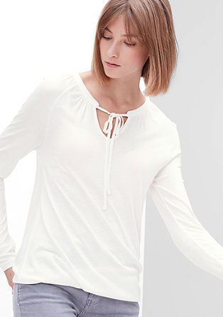 Majica iz plamenaste preje s trakci