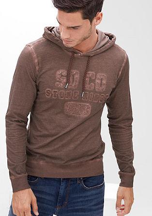 Majica s kapuco s posebnim učinkom barvnega pranja