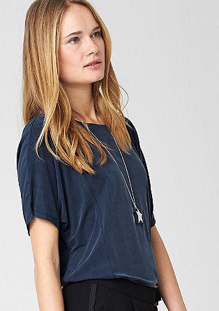 Majica v kroju O-oblike s svilnatim videzom