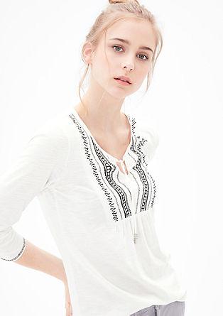 Majica v slogu tunike z vezenino