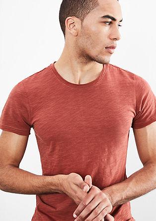 Majica z odprtimi robovi