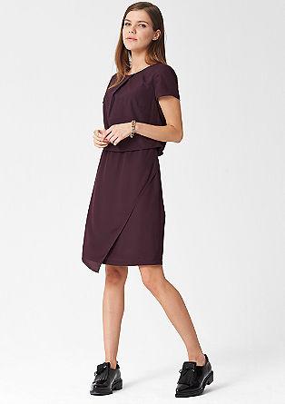 Modern geschnittenes Kleid
