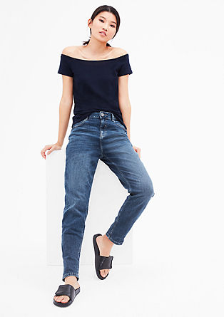 Mom Fit: blue jeans in los model