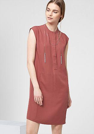Mouwloze jurk met zak op de voorkant