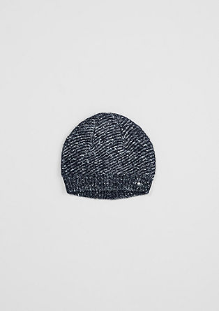 Mütze aus Glitzergarn
