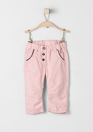 Nekoliko podložene hlače iz blaga
