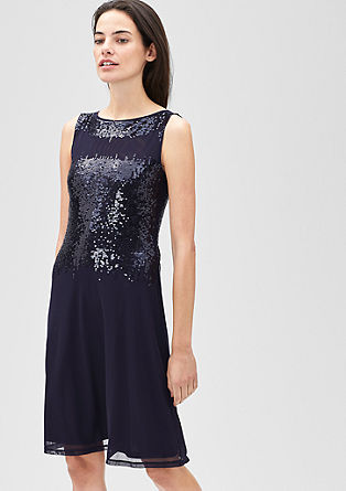 Nežna mrežasta obleka z bleščicami