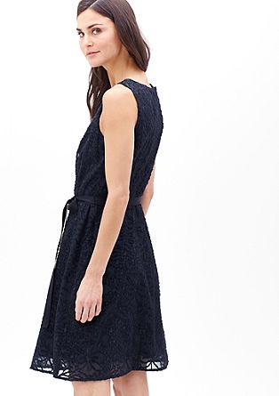 Nežna obleka s cvetličnim tkanim vzorcem