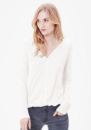 O-shaped shirt met V-hals