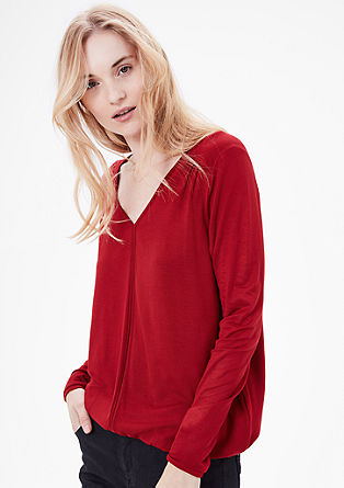O-shaped top with a V-neckline from s.Oliver