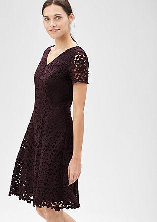 Obleka iz cvetlične čipke