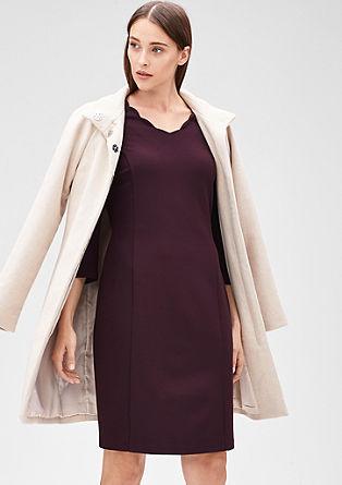 Obleka iz džersija z valovitim izrezom