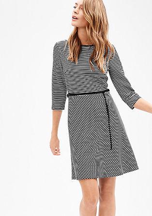 Obleka iz džersija z vzorcem s teksturo