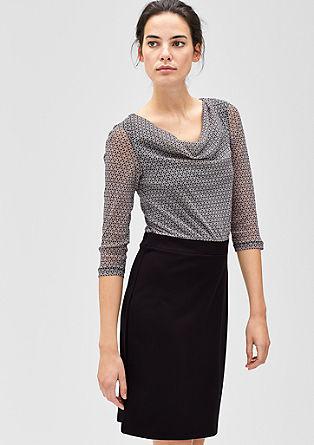 Obleka iz kombinacije materialov