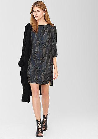 Obleka iz krepa s tiskom po celotni površini