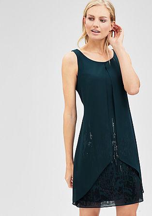 Obleka iz šifona v večslojnem videzu