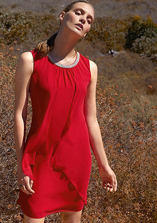 Obleka iz šifona z obrobo z okrasnimi kamenčki