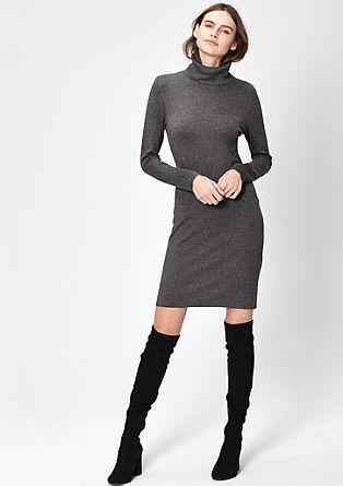 Obleka iz tanke pletenine s puli ovratnikom