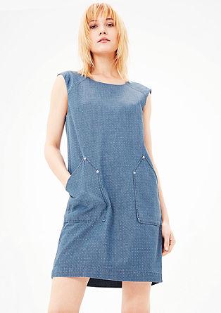 Obleka s pikčasto teksturo