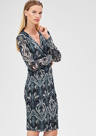 Obleka z ovitim izrezom iz mrežastega materiala