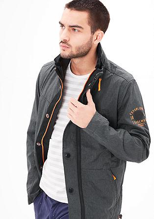 Outdoor jakna z neonskimi detajli