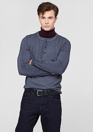 Ozek pulover v vintage videzu