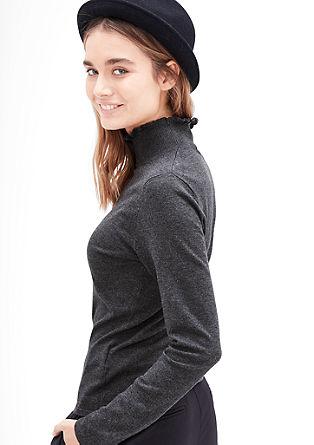 Ozek pulover z ovratnikom z naborki