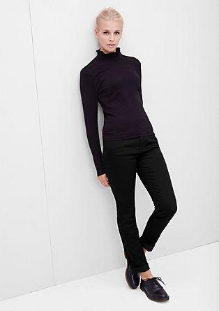 Ozke, izjemno raztegljive hlače