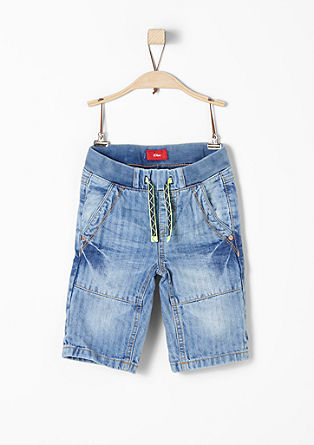 Pelle: textured jeans with a 3/4-length leg from s.Oliver