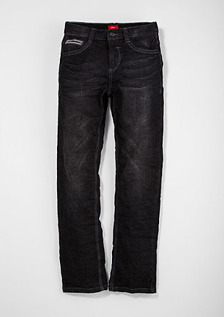 Pete: coloured jeans from s.Oliver