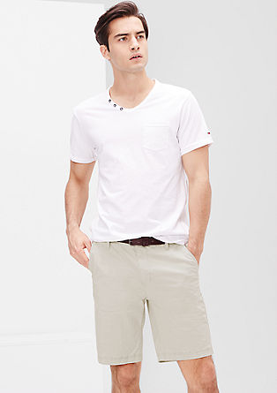 Plek Loose: chino shorts with a belt from s.Oliver
