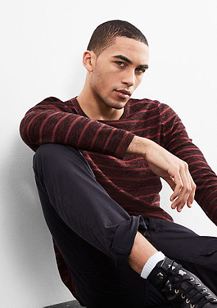 Pleten pulover, barvan s hladnim postopkom pigmentiranja