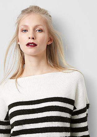 Pleten pulover s črtami iz efektne preje