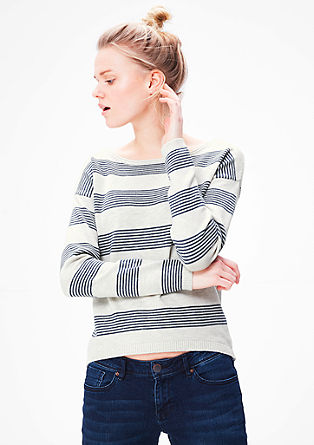 Pleten pulover s črtastim vzorcem