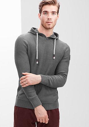 Pleten pulover s kapuco