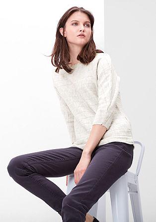 Pleten pulover s prečnimi črtami