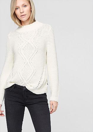 Pleten pulover z aranskim vzorcem