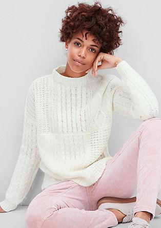 Pleten pulover z efektno prejo