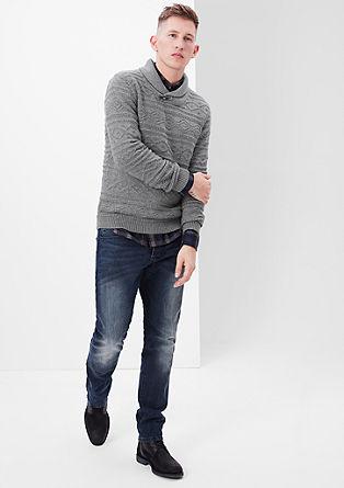 Pleten pulover z ovratnikom v obliki šala