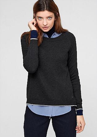 Pleten pulover z razporkom zadaj